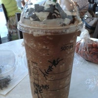 Photo taken at Starbucks by Arantxa B. on 7/6/2013