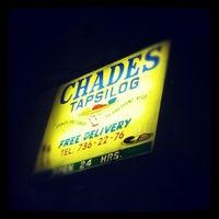 Foto tomada en Chades Tapsilog por Glenn L. el 10/17/2012