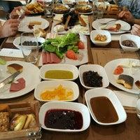 Foto tirada no(a) Ercan Steakhouse por Ayşen T. em 11/13/2016