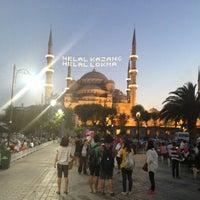 Foto diambil di Sultanahmet Meydanı oleh Mehmet 👈 A. pada 7/22/2013
