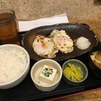 Photo taken at 焼魚食堂 魚角 学芸大学店 by koku y. on 2/28/2017