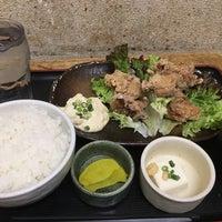 Photo taken at 焼魚食堂 魚角 学芸大学店 by koku y. on 3/4/2017