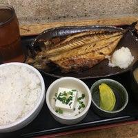 Photo taken at 焼魚食堂 魚角 学芸大学店 by koku y. on 3/8/2017
