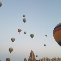 Photo taken at Ürgüp Hot Air Balloons by Ebru on 9/9/2018