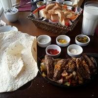 7/1/2013 tarihinde Serhat A.ziyaretçi tarafından Bouffe Cafe Restaurant'de çekilen fotoğraf