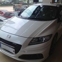 Photo taken at Honda Cars Kalookan by Jet B. on 9/5/2013