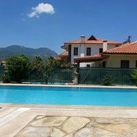 Photo taken at Şahin Villa Apart by Hanife Bilge on 6/15/2014