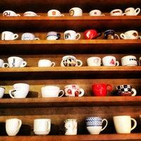Снимок сделан в Чашка Espresso Bar пользователем Olga G. 7/20/2013