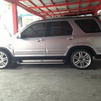 Photo taken at D&G Auto Services & Accessories Carwash and Detailing by Chocho C. on 7/30/2013