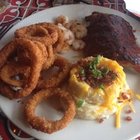 Photo taken at Chili's Grill & Bar by Tammara F. on 9/30/2014
