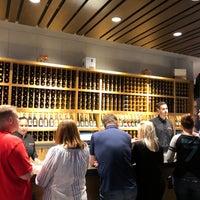 Foto tomada en Cooper's Hawk Winery & Restaurant por Zinger Z. el 9/21/2018