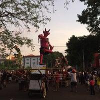 Photo taken at Nasi Jinggo Diponegoro by Andrew K. on 3/8/2016