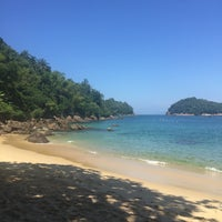 Photo taken at Ilha das Couves by Thaís A. on 3/9/2017