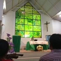 Photo taken at Iglesia de Sicomoro by Yeny Carolina on 7/8/2013