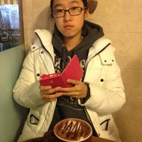 Photo taken at Coffee 아뜰리에 by Hyunseok O. on 12/23/2013