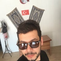Photo taken at Özcan Kuaför Güzellik Salonu by ihsan ö. on 8/11/2016