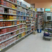 Photo taken at Tesco Lotus Damnoensaduak by Kung N. on 3/26/2017