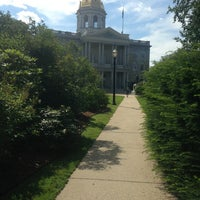 Foto tirada no(a) New Hampshire State House por Lauren K. em 7/12/2013