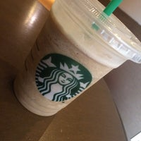 Photo taken at Starbucks by Maykol A. on 2/13/2015
