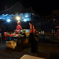 Photo taken at Meen's Char Kuey Teow by Asrolnizam on 4/5/2016
