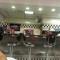 Photo taken at Steak 'n Shake by Jasmine M. on 7/18/2013