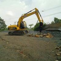 Photo taken at Caculo Earthmovers Pvt. Ltd., JCB Shwroom by Sanket N. on 7/16/2013