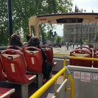 Photo taken at Big Bus Tours - London by James L. on 6/5/2016