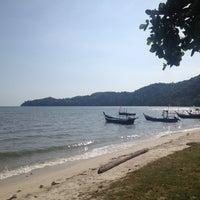 Photo taken at Gertak Sanggul Seaside by Andrew Y. on 2/25/2016