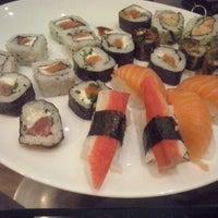 Photo taken at Miyoshi Cozinha Oriental by Fernanda B. on 9/10/2013