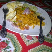 Photo taken at Mie Aceh Zahra by heru f. on 11/1/2013