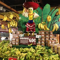 Photo taken at Stew Leonard's by Sarah P. on 9/23/2012