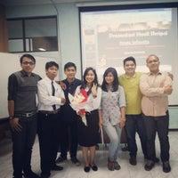 Photo taken at Fakultas Hukum by Dinda Sefionita A. on 9/15/2014