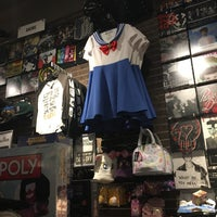 Photo taken at Hot Topic by Malia H. on 10/30/2016