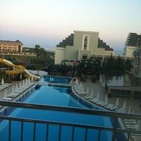 7/19/2013 tarihinde Ivan C.ziyaretçi tarafından Diamond Beach Hotel & Spa'de çekilen fotoğraf
