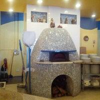 Photo taken at Pizzeria Da Nella Cucina Napoletana by Alex M. on 11/3/2012