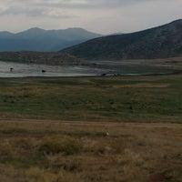 Photo taken at yenişarbademli Şarkikaraağaç kara yolu by Yaman Y. on 7/30/2015