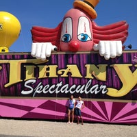 Photo taken at Circo Tihany Spectacular by Dyone A. on 9/14/2013