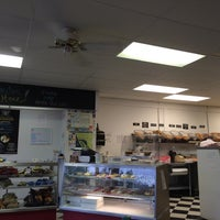 Photo taken at L'chayim Delicatessen by Rob H. on 8/19/2014