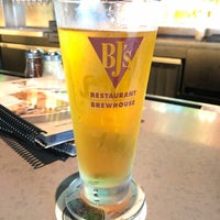 Photo taken at BJ's Restaurant & Brewhouse by Folk L. on 4/6/2018
