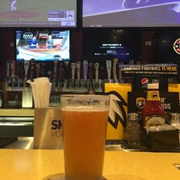 Photo taken at Buffalo Wild Wings by Roy W. on 8/25/2016