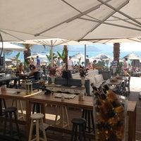 8/16/2013 tarihinde Gunes K.ziyaretçi tarafından Bono Good Times Beach'de çekilen fotoğraf