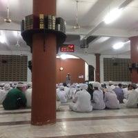Photo taken at Maahad Muhammadi Lelaki (MML) by Huzaifah A. on 4/8/2017