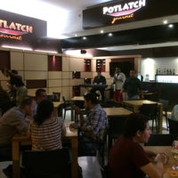 Photo taken at Potlatch Gourmet Laureles by Gustavo F. on 6/14/2014
