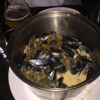รูปภาพถ่ายที่ Flex Mussels โดย Meredith F. เมื่อ 7/7/2015