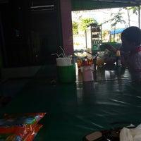 Photo taken at Warung Ploso Kuning by dedet on 12/14/2014