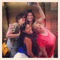 Das Foto wurde bei Blurrrred Lines von Lisa B. am 7/27/2013 aufgenommen