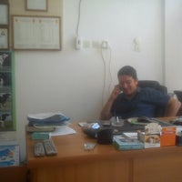 Photo taken at Avşar Veteriner Kliniği by Sertaç Burak G. on 7/4/2013