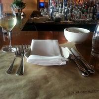 Das Foto wurde bei 3 Doors Down Cafe von Melissa M. am 7/27/2014 aufgenommen