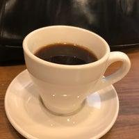 Das Foto wurde bei PEACE COFFEE ROASTERS 西新橋店 von ひび き. am 8/19/2017 aufgenommen
