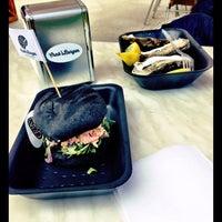 Снимок сделан в Crab's Burger пользователем Olya K. 6/15/2014